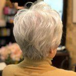 年を重ねると簡単でキレイがいい。(グレイヘアとホワイトヘア)