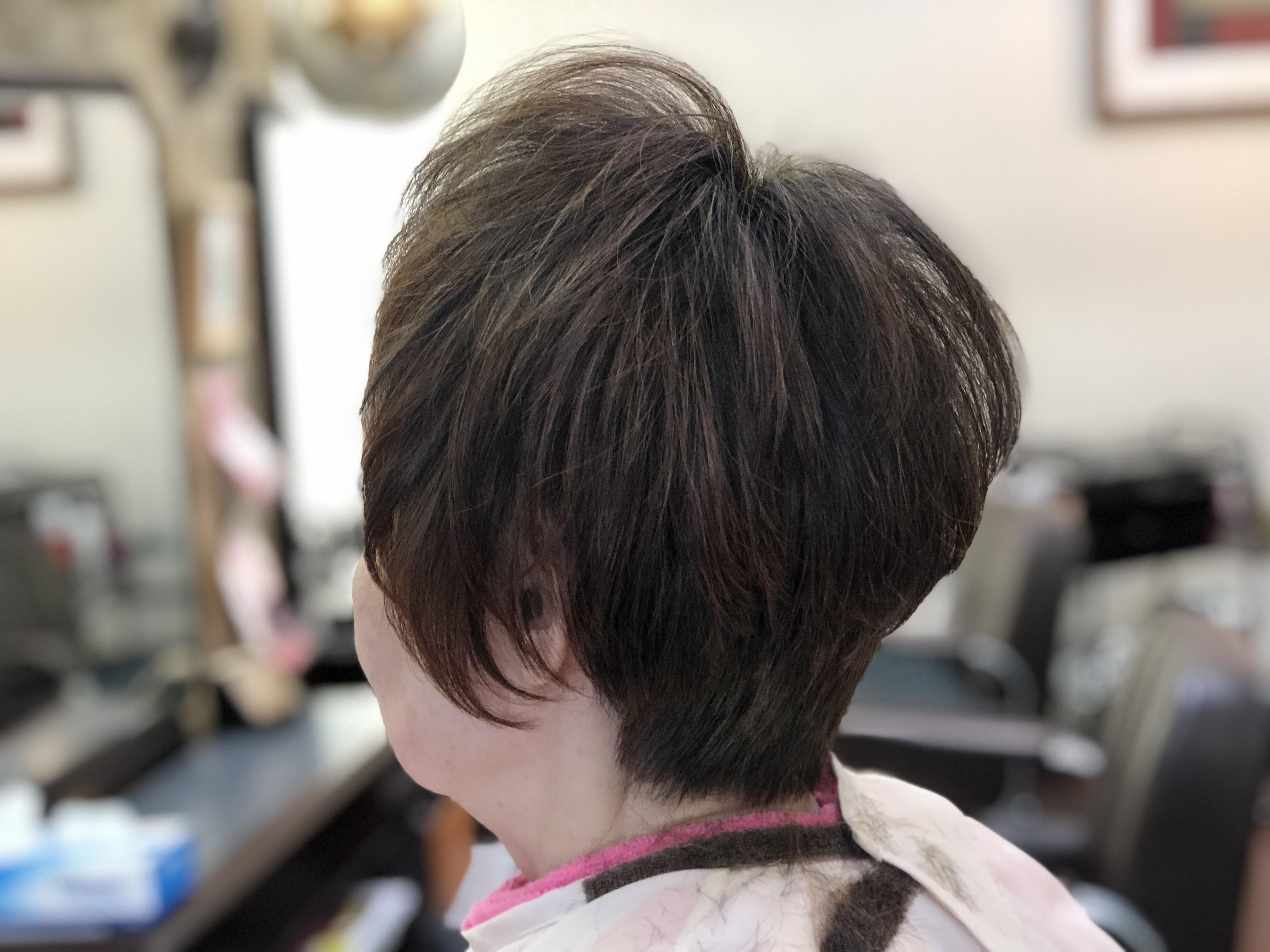 動画!70代髪のはえグセによる絶壁を解消するカット。